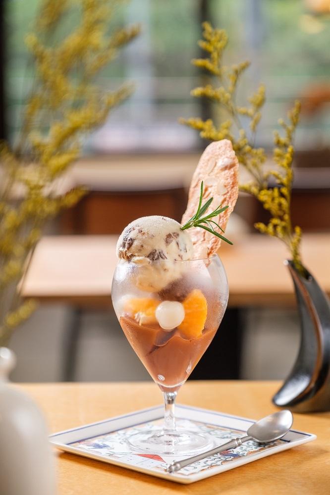 OMAR威士忌葡萄及比利時巧克力冰淇淋聖代/自自zi⁶zi⁶/甜點/美食/台北/台灣