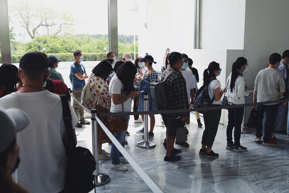 排隊/塩田千春:顫動的靈魂/展覽/市立美術館/台北/台灣