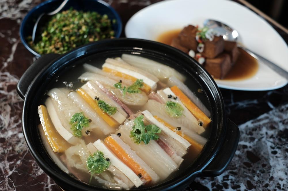 富錦酸菜白肉鍋/富錦樹台菜香檳大直店/台式料理/台北/台灣