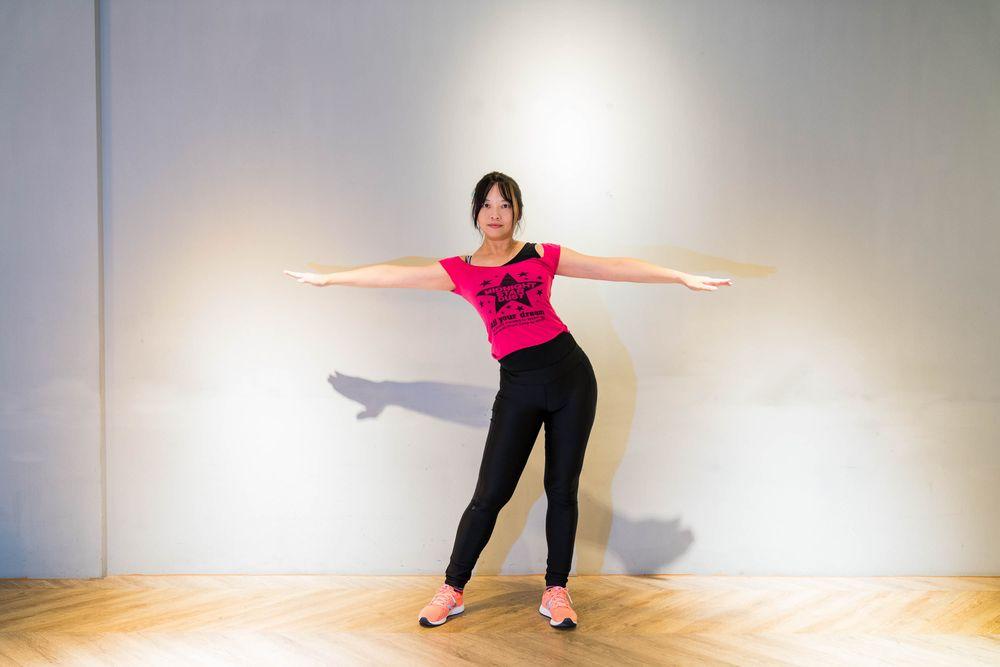 迴紋針老師/髖骨平行畫大圓/伸展/居家健身