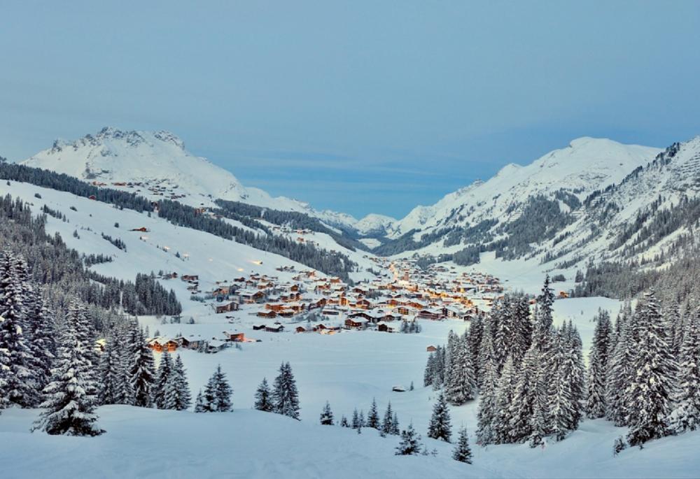 滑雪/萊希滑雪勝地/阿爾卑斯山/奧地利