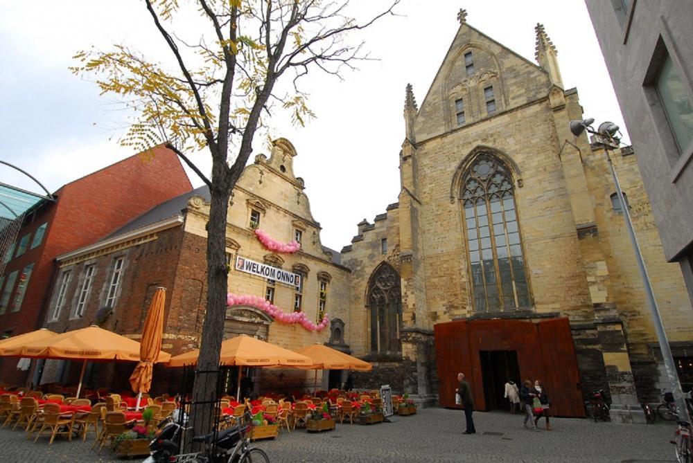 內部/教堂/Boekhandel Dominicanen/馬斯垂克市/荷蘭