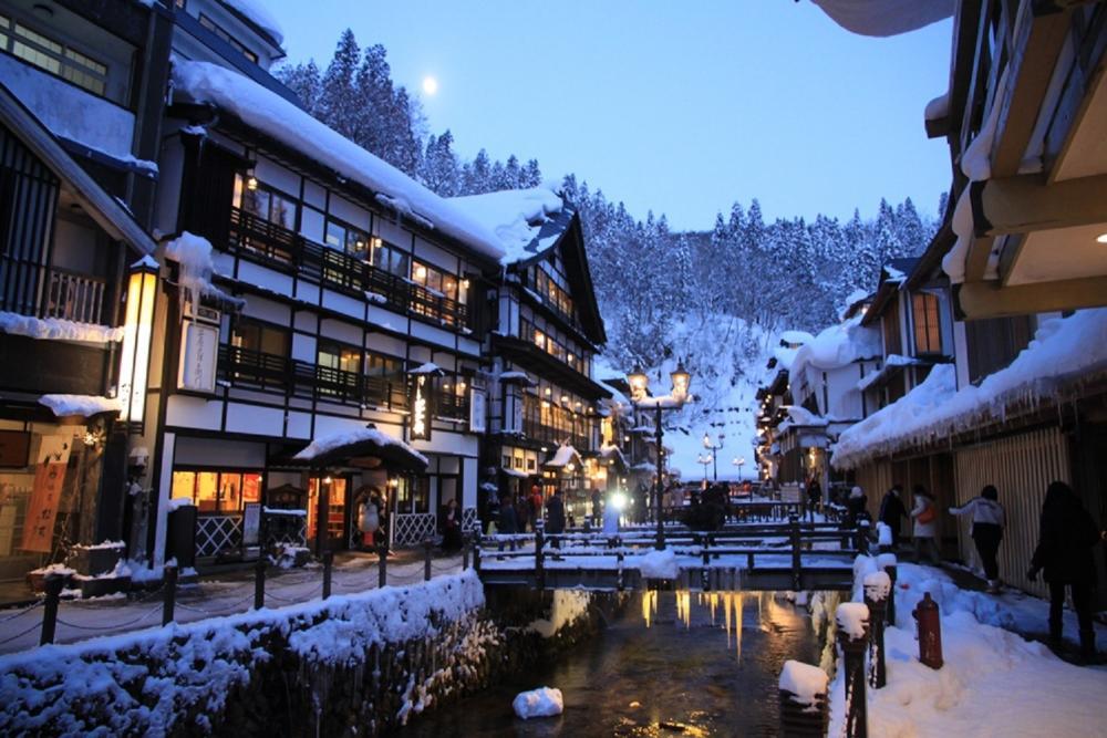雪景/銀山溫泉/東北/日本