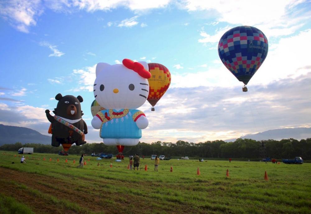 Hello kitty及喔熊熱氣球/台東熱氣球嘉年華/台東/台灣
