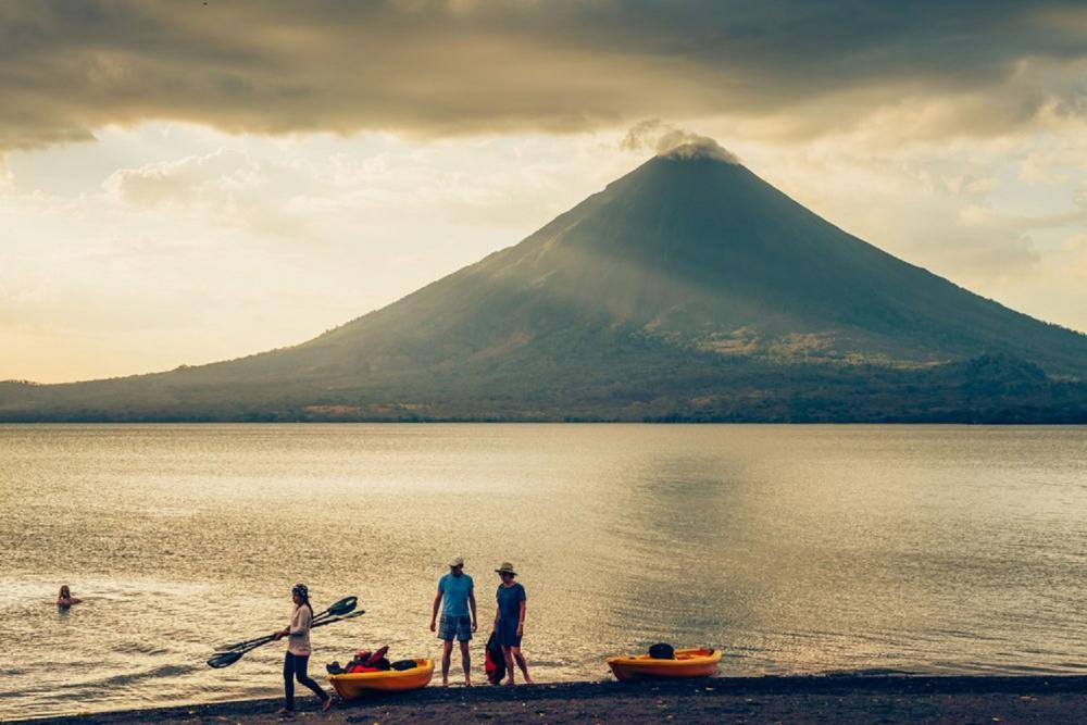 湖畔美景/旅遊/火山島/尼加拉瓜