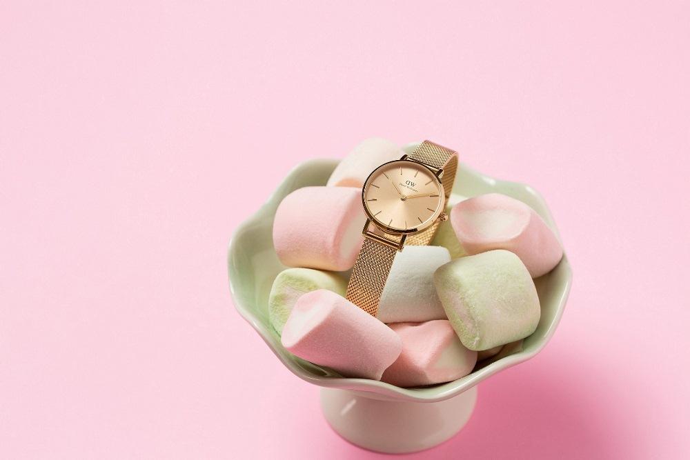 Petite Unitone 幻彩香檳金腕錶/Color Dials 幻彩系列/腕錶/Daniel