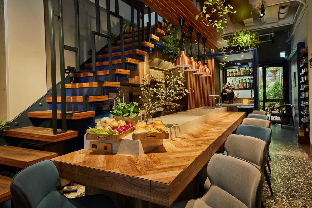 餐廳內部/露 Dew - chef's wine and gourmet/法式料理/台中/台灣