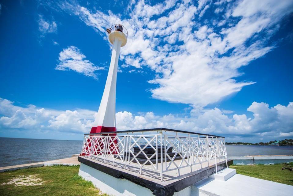貝利斯男爵燈塔(Baron Bliss Lighthouse)